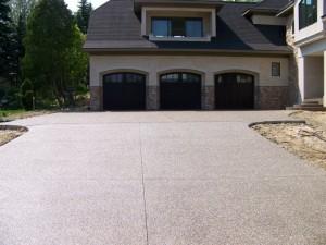 custom-concrete-driveway_michigan